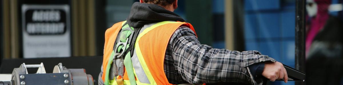 Imagem referente ao post tudo o que você precisa saber sobre adaptações de máquinas para evitar acidentes de trabalho